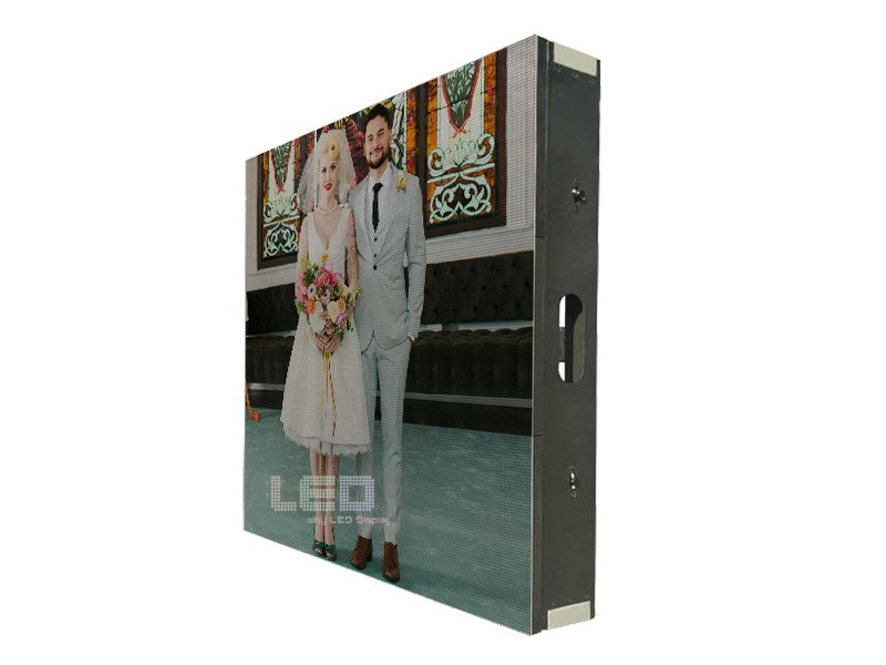 P4  Indoor LED Display Panel Iron Cabinet 256*128mm 800cm/㎡ Brightness  1920Hz High Refresh